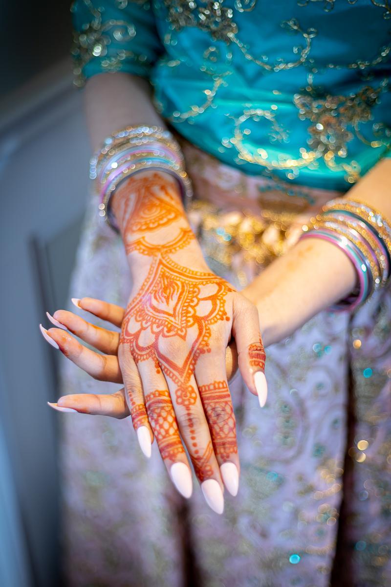 wedding portrait henna hands